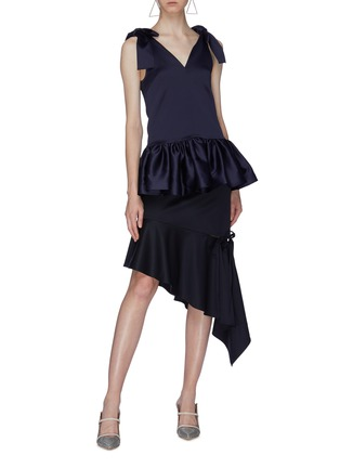 Figure View - Click To Enlarge - MING MA - Bow strap satin peplum top