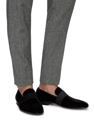 Figure View - Click To Enlarge - MAGNANNI - Satin band velvet loafers