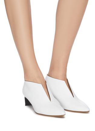 Figure View - Click To Enlarge - GRAY MATTERS - 'Piega' sliced vamp leather shooties