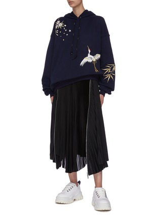 Figure View - Click To Enlarge - ANGEL CHEN - Crane embroidered hoodie