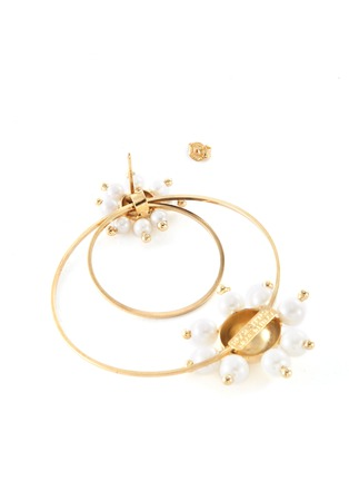 Detail View - Click To Enlarge - ROSANTICA - 'Daisy' faux pearl double hoop earrings