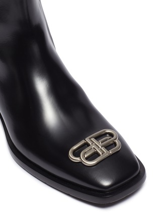 Detail View - Click To Enlarge - BALENCIAGA - logo plaque leather ankle boots