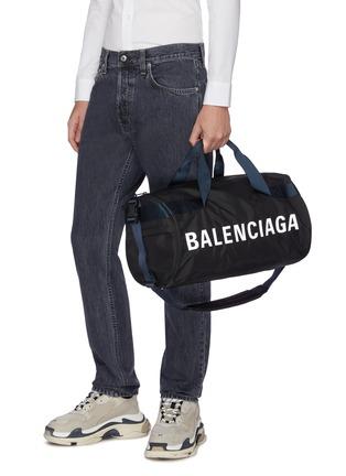 Figure View - Click To Enlarge - BALENCIAGA - 'Wheel' logo print gym bag