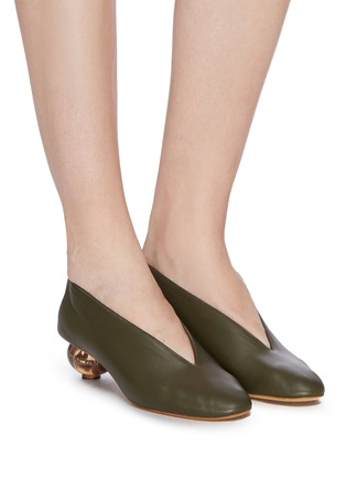 Figure View - Click To Enlarge - GRAY MATTERS - Egg heel choked-up leather pumps