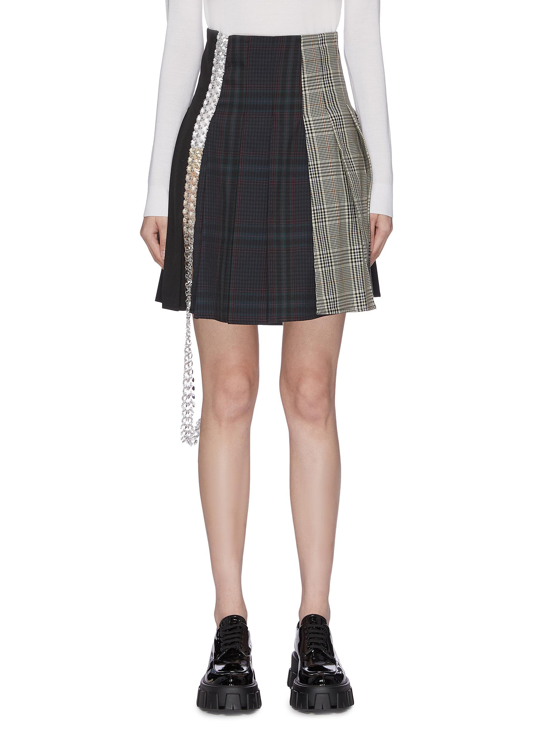 Check plaid panelled embellished pleat mini skirt by Märchen