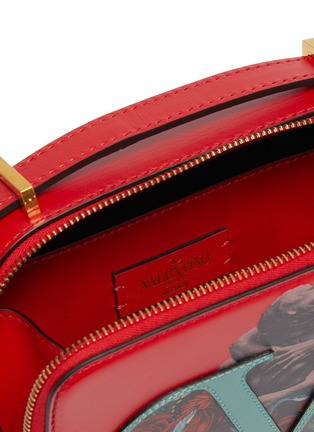 Detail View - Click To Enlarge - VALENTINO - Valentino Garavani x UNDERCOVER VLOGO graphic print small leather crossbody bag
