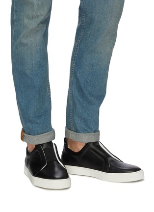 Figure View - Click To Enlarge - PIERRE HARDY - 'Slider' elastic band leather slip-on sneakers