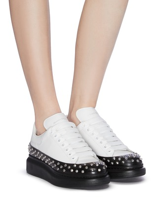 Figure View - Click To Enlarge - ALEXANDER MCQUEEN - 'Larry' contrast sole studded sneakers