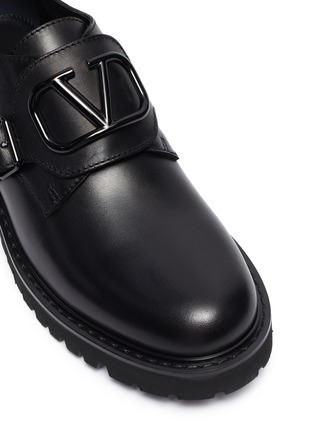 Detail View - Click To Enlarge - VALENTINO - 'VLOGO' buckled leather Derbies