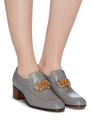 Figure View - Click To Enlarge - GUCCI - Horsebit chain leather loafer pumps