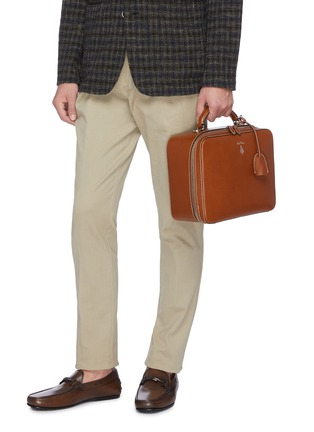 Front View - Click To Enlarge - MARK CROSS - 'Baker Messenger' bag in leather
