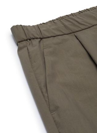 - ATTACHMENT - Pleat Stretch Shorts