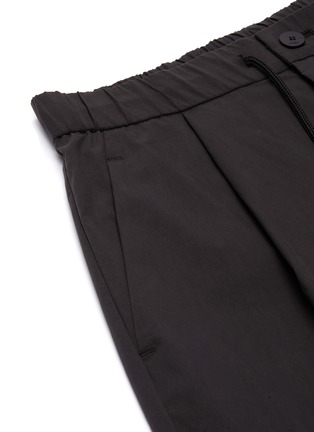 - ATTACHMENT - Pleat Stretch Shorts