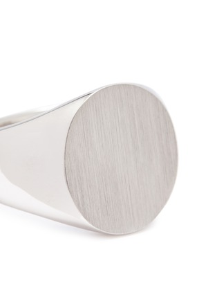 Detail View - Click To Enlarge - TOM WOOD - 'Oval Satin' silver signet ring – Size 56