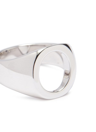 Detail View - Click To Enlarge - TOM WOOD - 'Oval Open' cutout silver signet ring – Size 60