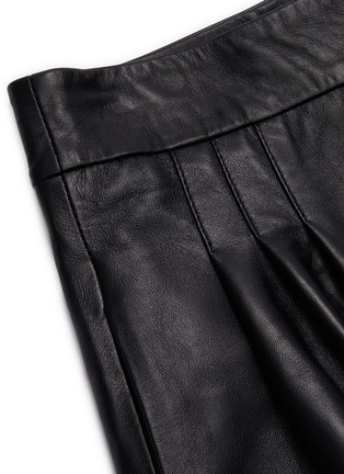 - 16ARLINGTON - 'Grant' nappa leather shorts