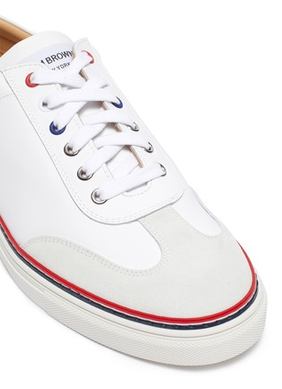 Detail View - Click To Enlarge - THOM BROWNE - Contrast stripe leather sneakers