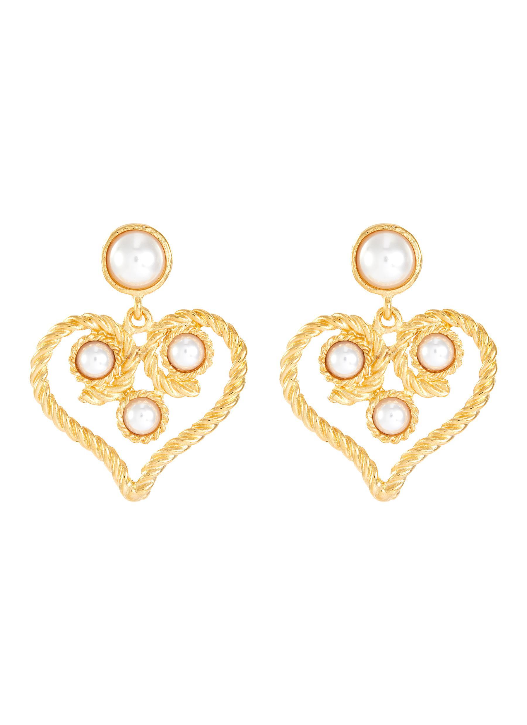 Kenneth Jay Lane Faux pearl embellished heart -shaped doorknocker clip earrings