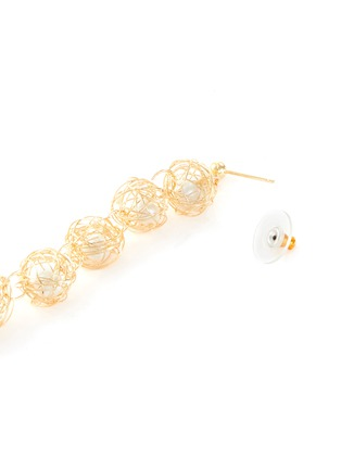 Detail View - Click To Enlarge - KENNETH JAY LANE - Wire shell glass pearl core link drop earrings