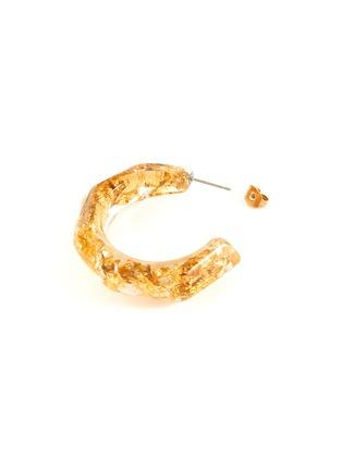 Detail View - Click To Enlarge - OSCAR DE LA RENTA - 'Nugget' flake resin hoop earrings
