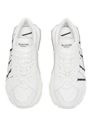 Detail View - Click To Enlarge - VALENTINO - Valentino Garavani 'Bounce' leather sneakers