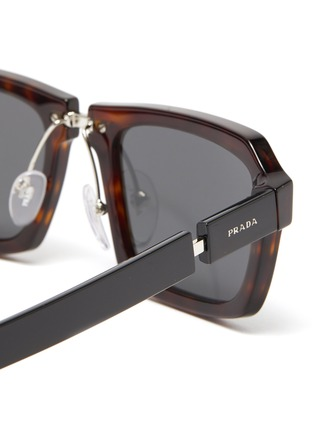 Detail View - Click To Enlarge - PRADA - Tortoiseshell effect acetate frame bold temple square sunglasses