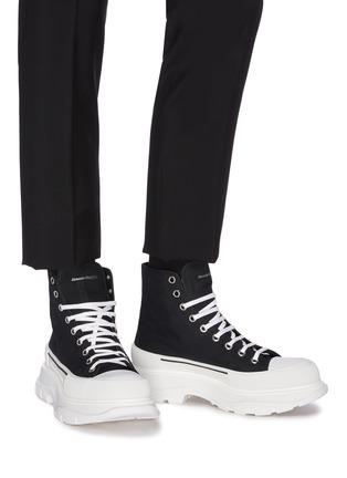 Figure View - Click To Enlarge - ALEXANDER MCQUEEN - 'Tread' contrast sole canvas high top sneakers