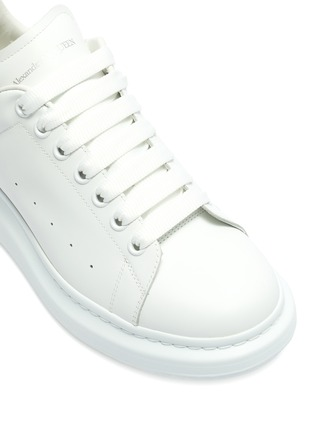 Detail View - Click To Enlarge - ALEXANDER MCQUEEN - 'Larry' panel counter perforated leather sneakers