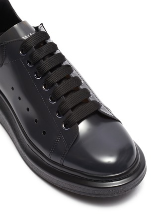 Detail View - Click To Enlarge - ALEXANDER MCQUEEN - 'Larry' transparent wedge perforated PVC sneakers