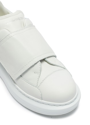 Detail View - Click To Enlarge - ALEXANDER MCQUEEN - Velcro sneaker chunky outsole kids sneakers