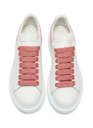 Detail View - Click To Enlarge - ALEXANDER MCQUEEN - 'Larry' magnolia print fine glitter oversized sneakers