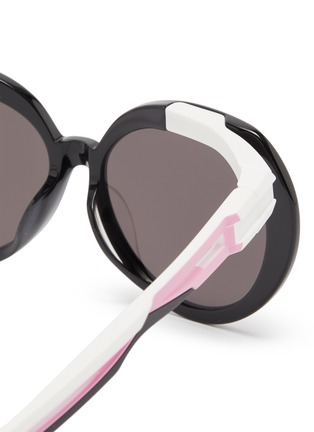 Detail View - Click To Enlarge - BALENCIAGA - Round acetate frame contrast temple sunglasses