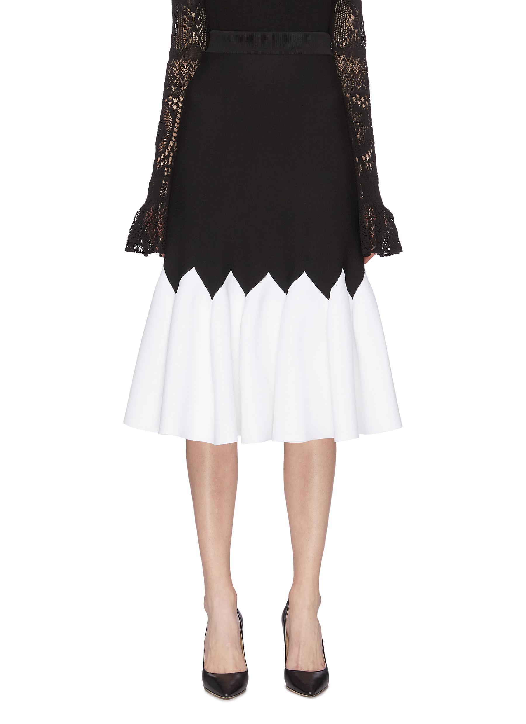 shop Alexander Mcqueen Contrast zigzag pleated knit skirt online