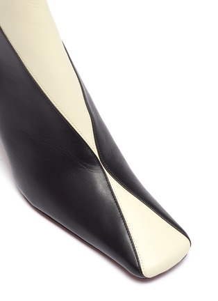 Detail View - Click To Enlarge - MANU ATELIER - 'XX Duck' Colourblock Leather Ankle Boots