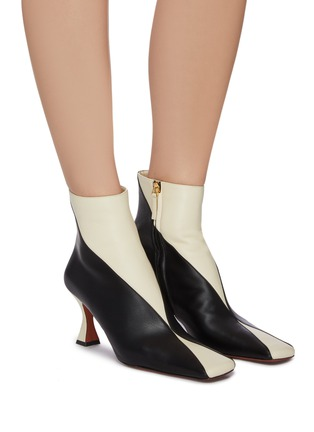 Figure View - Click To Enlarge - MANU ATELIER - 'XX Duck' Colourblock Leather Ankle Boots