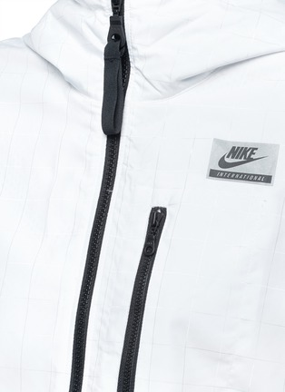 Detail View - Click To Enlarge - Nike - 'Nike International Windrunner' foldable aerial print jacket