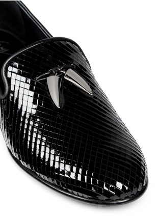 Detail View - Click To Enlarge - Giuseppe Zanotti Design - 'Kevin' shark tooth scale effect leather slip-ons