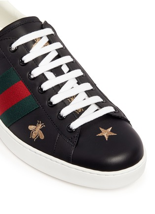 Detail View - Click To Enlarge - Gucci - Bee and star embroidery leather sneakers