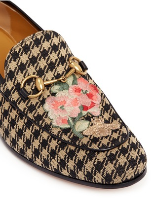 Detail View - Click To Enlarge - Gucci - Floral bee embroidery houndstooth moccasins
