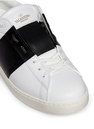 Detail View - Click To Enlarge - VALENTINO - Colourblock leather stud sneakers