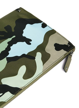 Detail View - Click To Enlarge - Valentino - Camouflage print nylon zip pouch
