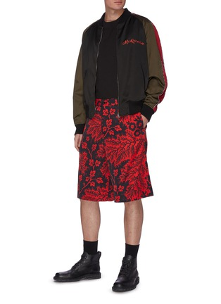 Figure View - Click To Enlarge - ALEXANDER MCQUEEN - Floral Print Shorts