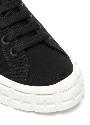 Detail View - Click To Enlarge - PRADA - Logo print low top gabardine sneakers