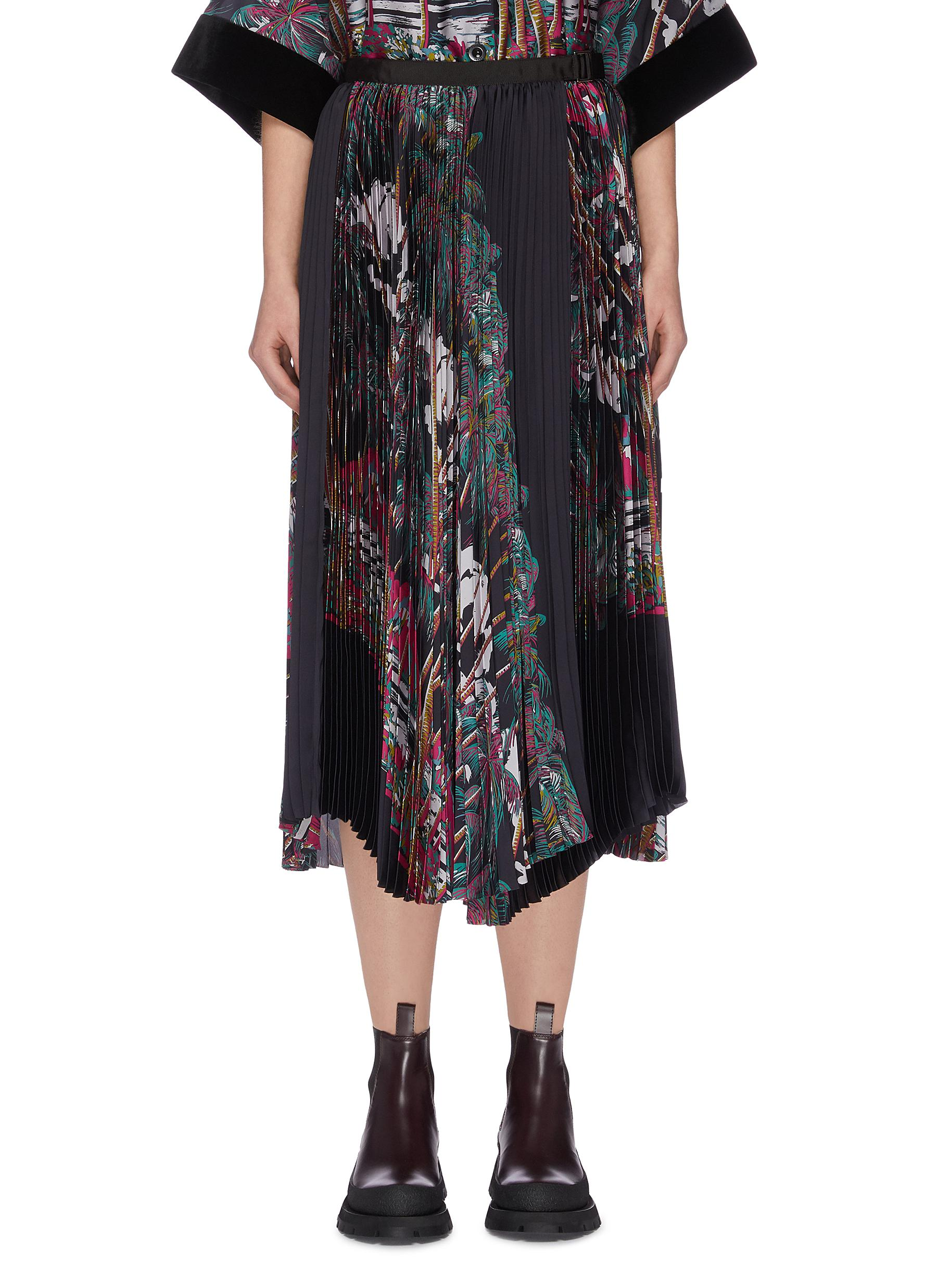Buy Sacai Skirts 'Jungle' graphic print pleated patchwork skirt