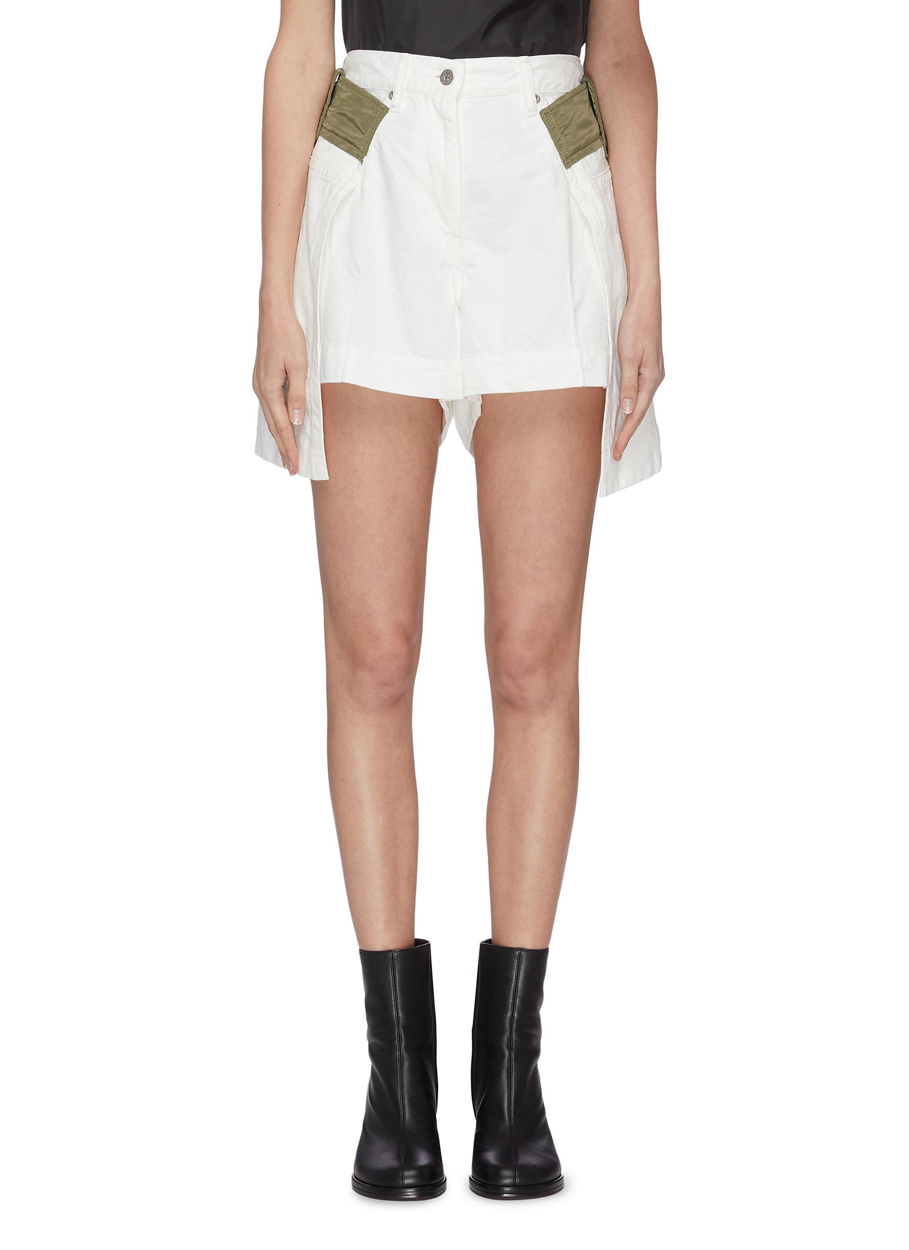 shop Sacai Contrast belt loop pleated denim shorts online