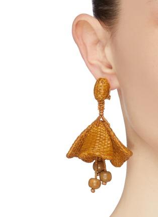 Figure View - Click To Enlarge - OSCAR DE LA RENTA - Impatiens raffia earrings