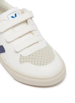 Detail View - Click To Enlarge - VEJA - 'V-10' vegan leather toddler sneakers
