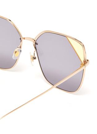 Detail View - Click To Enlarge - STEPHANE + CHRISTIAN - Colourblock metal frame angular sunglasses