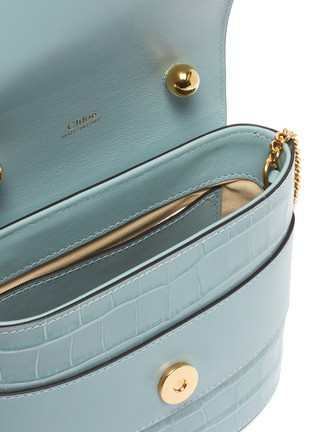 Detail View - Click To Enlarge - CHLOÉ - 'Abylock' logo croc-embossed leather handle bag