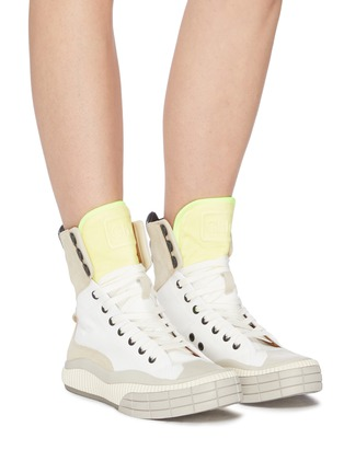 Figure View - Click To Enlarge - CHLOÉ - Clint' contrast tongue high top sneakers